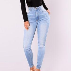 NWT Fashion Nova Medium Wash Jeans