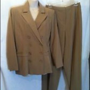 Chadwick's nude suit 8L