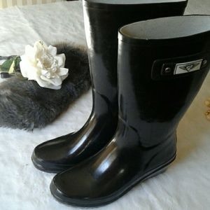 FOREVER YOUNG RAIN BOOTS SIZE 9