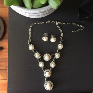 Jewelry - CLASSIC Necklace & earring set