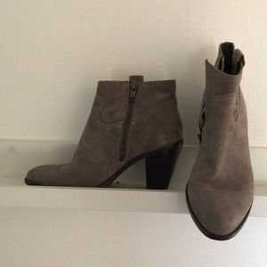 c1ec258f06def Ash Shoes - Ash Ivana Suede Ankle boot in stone