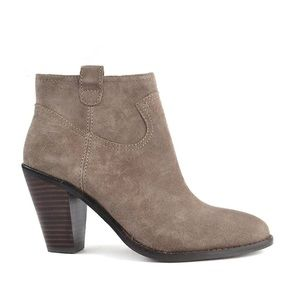 Ash Ivana Suede Ankle boot in stone