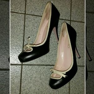 RED Valentino black/cream pumps with bow