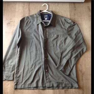 🍁Quicksilver button down shirt (size:L)