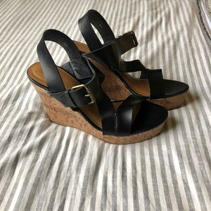 Mossimo strappy black wedges