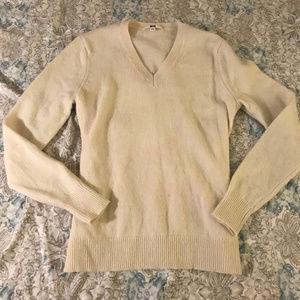 Uniqlo Cream V Neck 100% Wool Sweater