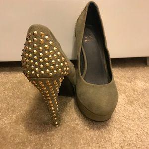 Olive Kelsi Dagger Pumps with Gold Studded Heel