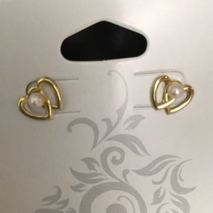 Jewelry - 14K gold and pearl pierced earrings