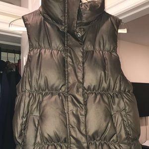 Gap bubble vest
