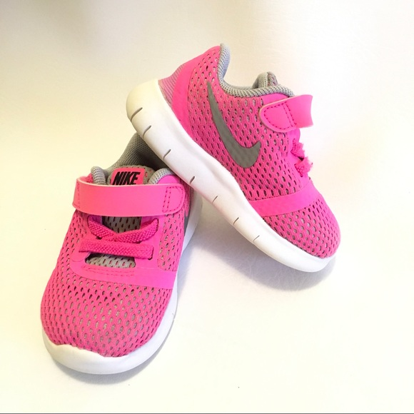 ca38660be4 Nike Shoes   Baby Girl Size 4 Flex Running Sneaker   Poshmark