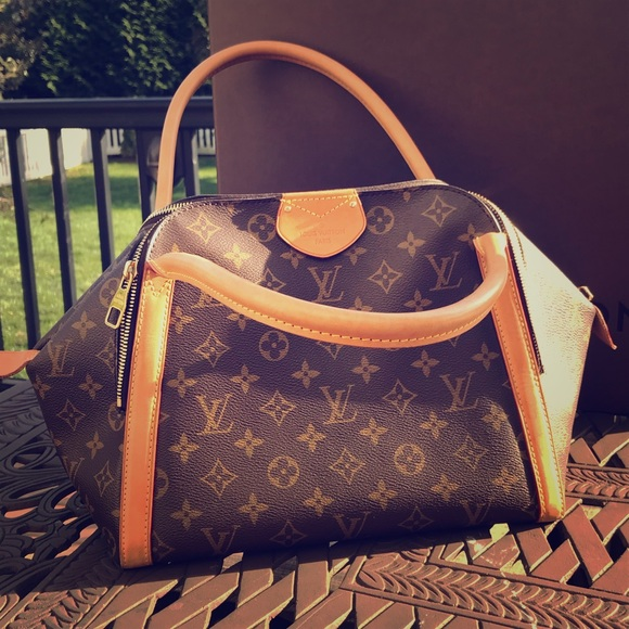 b8a9a2907dea Flash sale!Louis Vuitton bowling Marais bag