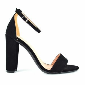Women's Ankle Strap Black Chunky Heeled Sandal