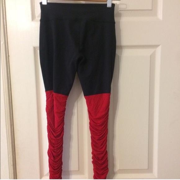 Beyond Yoga Pants - Beyond yoga leggings size small. Legs for days!