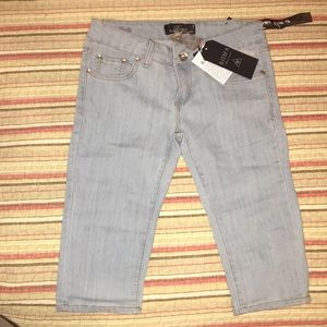 Denim - BRAND NEW Bight Blue Jeans Capris!