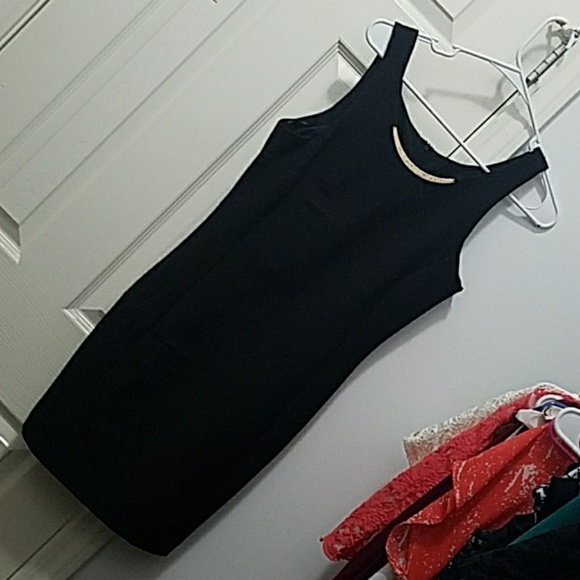HAVE Dresses & Skirts - Fitted black dress