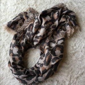 H & M Leopard Scarf