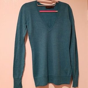 Beautiful Teal v neck sweater by The Unlimited