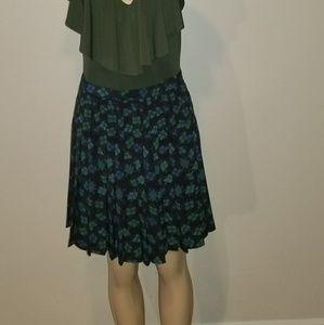 Express high waisted pleated skirt