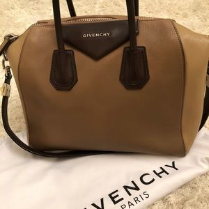 Givenchy purse 🔥🔥🔥 PRICE DROP 🔥🔥🔥