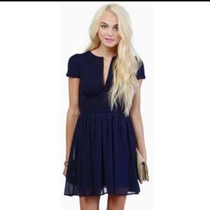 Adorable Tobi skater dress!