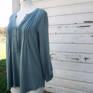 Cable & Gauge Blue Gray 3/4 Sleeve Button Blouse