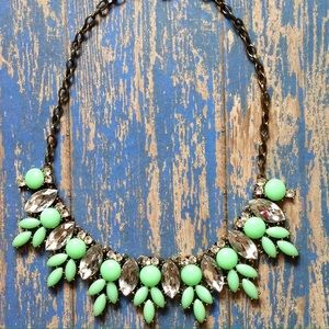 Jewelry - Mint Statement Necklace