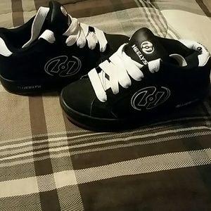 Heelys skater shoes size 4
