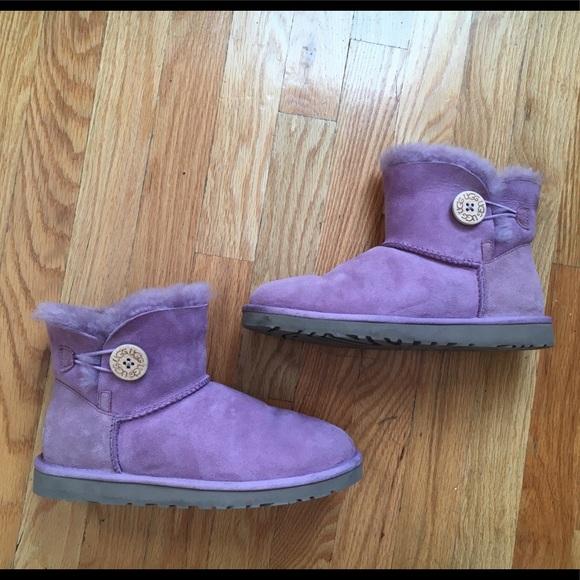 74c49686d10 UGG light purple mini bailey button