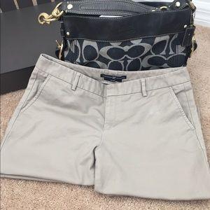 GAP Women's Khaki Pants (Size:8)
