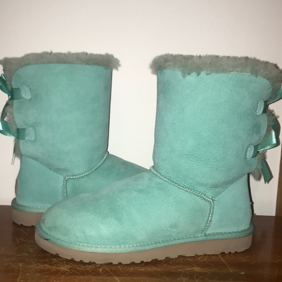 6b52a0b2026 Tiffany Bailey Bow UGG