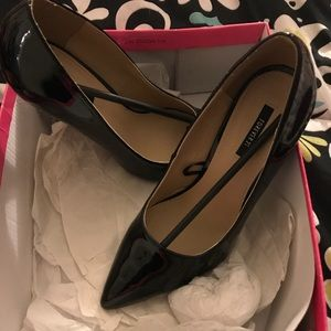 Forever 21 Pointed Toe Patent Leather Pumps