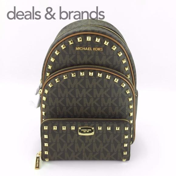 e508004a55b0be Michael Kors Bags   Nwt Abbey Backpack Jet Set Wallet   Poshmark