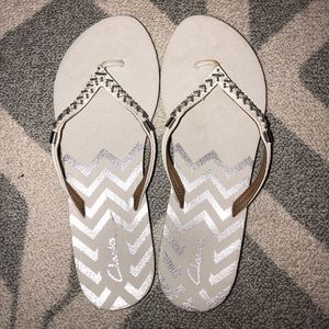 Clarks White/Silver Flip Flops with Bead Detail