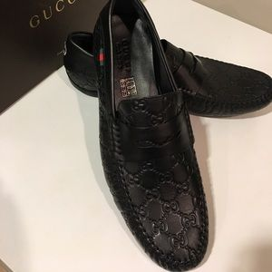 New Gucci Black Leather GG Web embossed slip on❤️