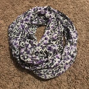 Purple and black spotted scarf  H&M