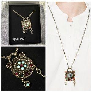 NIB Jewelmint LOVE SPELL Long pendant necklace