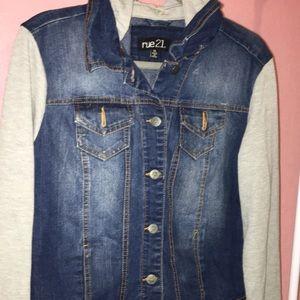 Jacket with Jean and sweatshirt sleeves