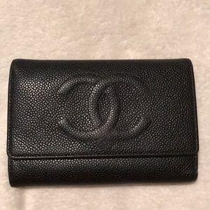 Chanel caviar black wallet