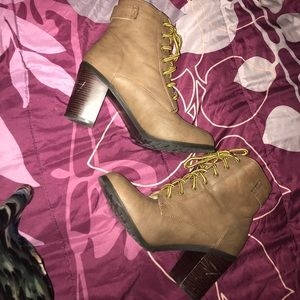 JustFab ankle boots size 9