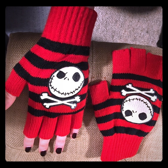 Nightmare Before Christmas Icons.Nwot Nightmare Before Christmas Fingerless Gloves Nwt
