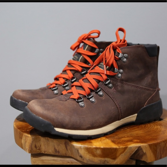 7983f447602 Columbia Mens 9 Brown Leather Hiking Boots