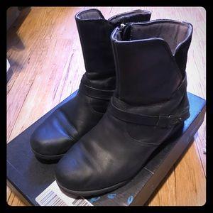 Teva De La Vina Black Boots 8,5