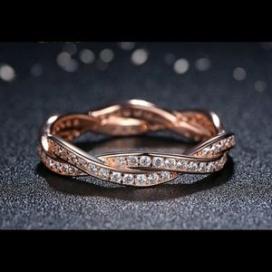 Jewelry - Rose gold twist band w/CZ accents
