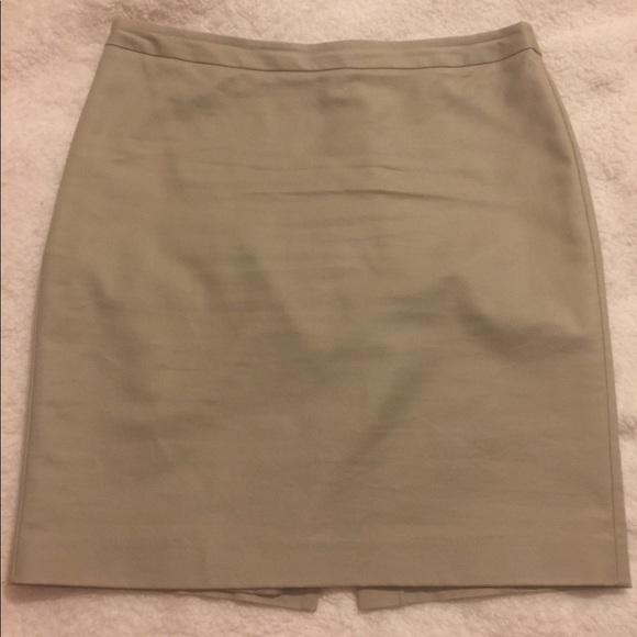 c98cfb6e733 Liz Claiborne Dresses   Skirts - Liz Claiborne Khaki Pencil Skirt