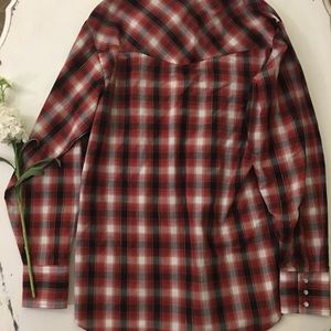 Shirts - Light weight red checkered snap button long sleeve