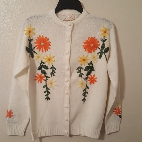Su Lee Sweater Sweaters - Lowest Price Donating Vintage Su Lee Sweater NWT