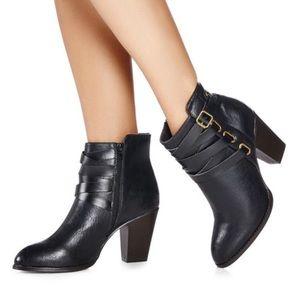 Women's size 10 Just Fab Robienne bootie 🖤✨