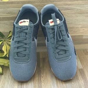 Nike Shoes - NWT Pre Montreal Racer VNTG PRM Armory Blue WMNS