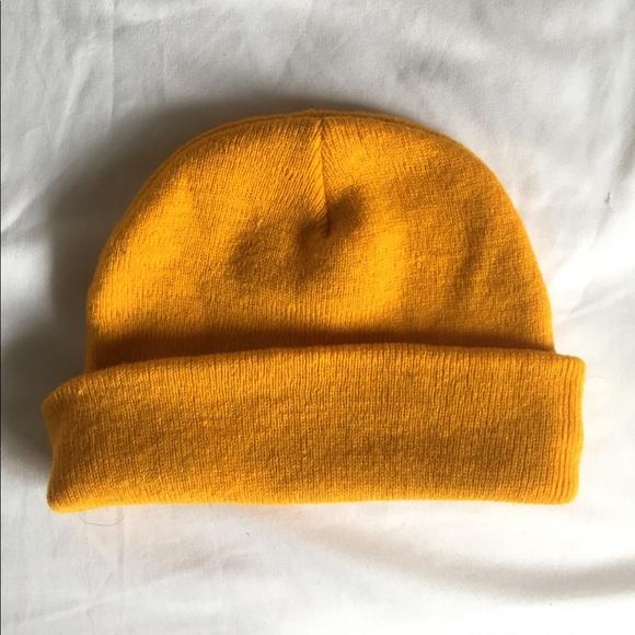 Mustard yellow beanie. M 5a0dcfb0f09282bf5b03df27 e8a8360f71a
