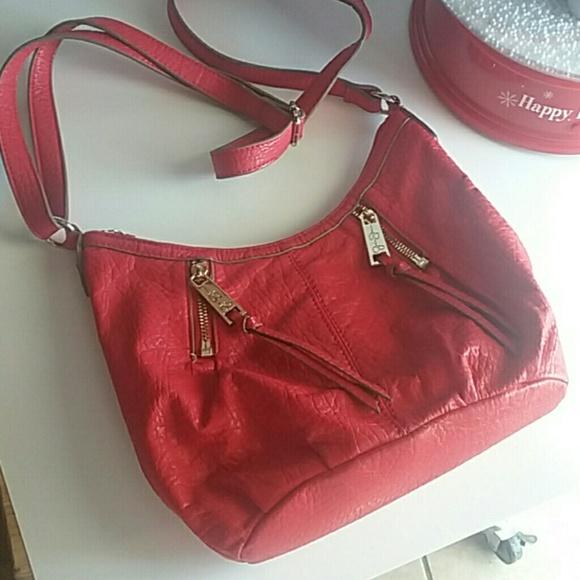 b28800ab51e3 Jessica Simpson Handbags - Jessica Simpson Red Crossbody Bag